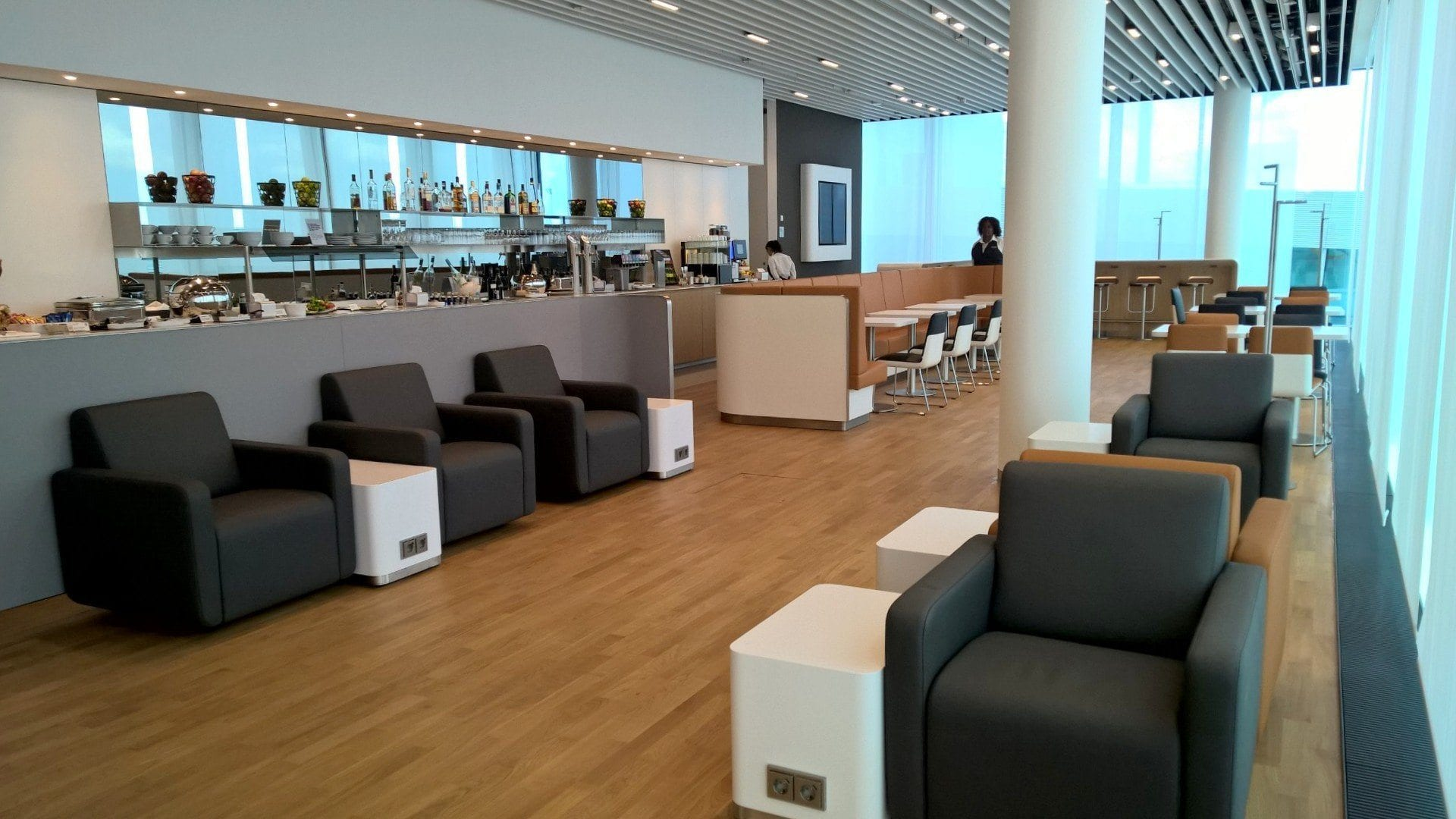 Interior LH Business Lounge Satellite MUC