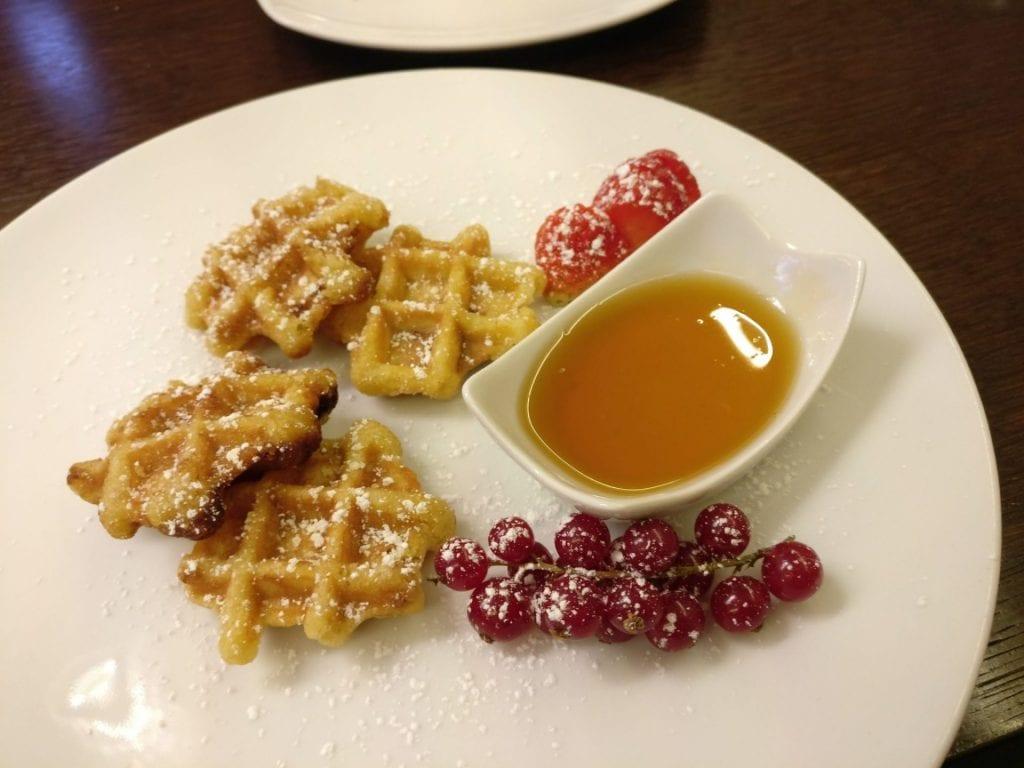 Mit dem Hilton Gold Status erhaltet Ihr meist das volle Frühstück