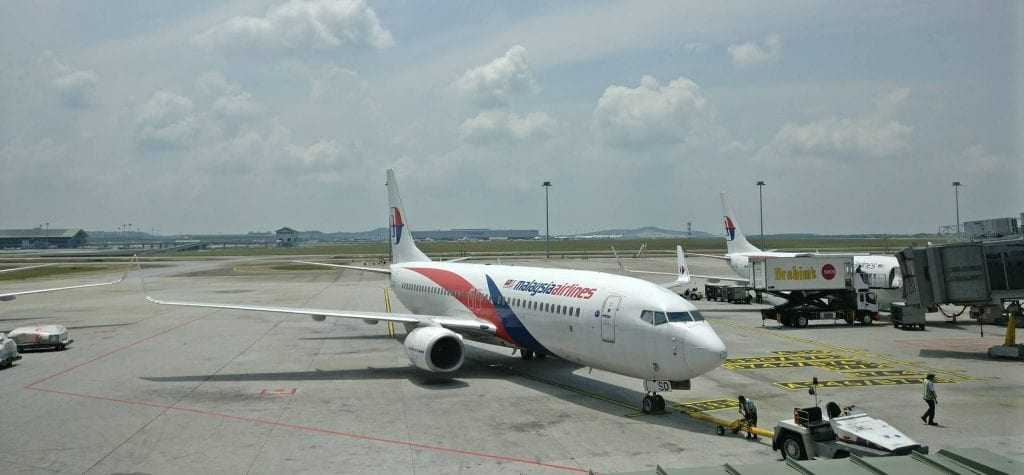 malaysia airlines boeing 737 kuala lumpur airport