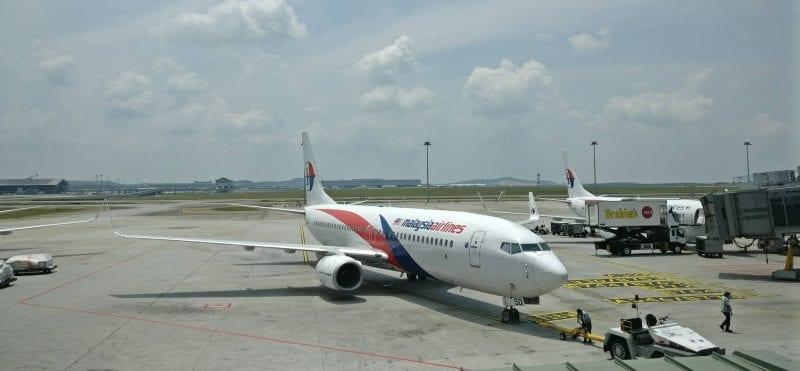 malaysia airlines boeing 737 kuala lumpur airport