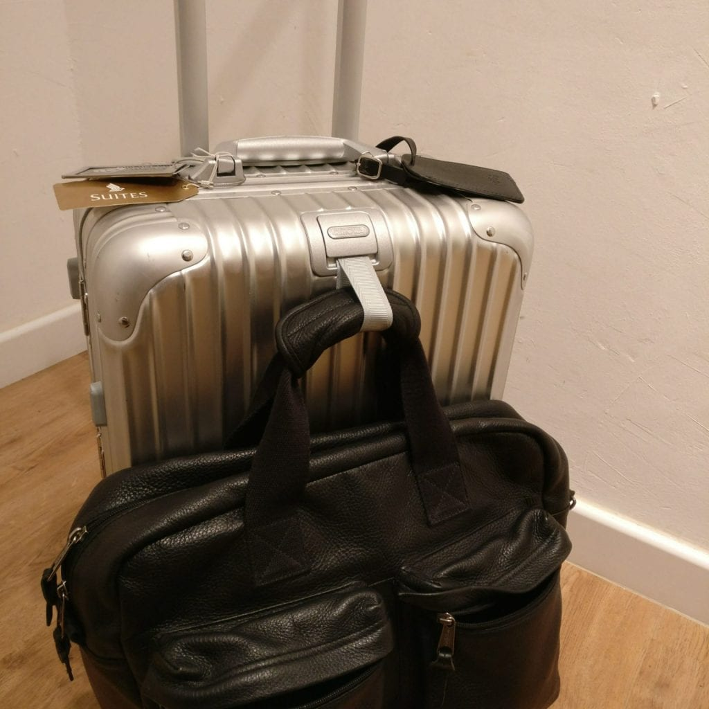 rimowa topas cabin multiwheel iata koffer add a bag holder