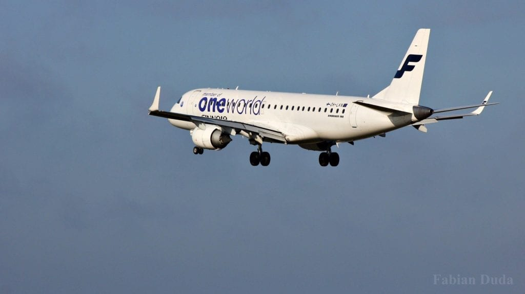 finnair oneworld lackierung embraer erj 190