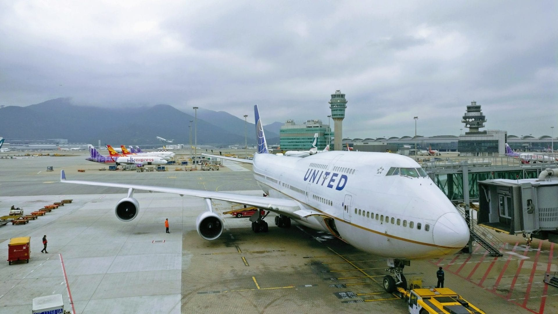 United Airlines Boeing 747 Hong Kong Airport