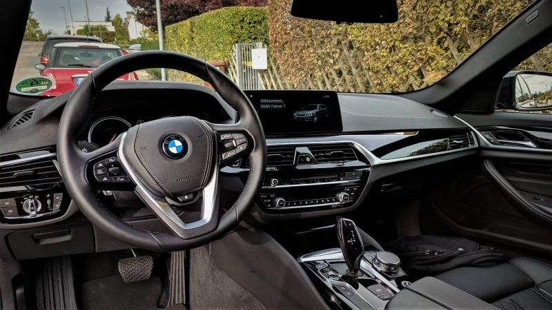 Sixt Mietwagen BMW 5er 520d Cockpit