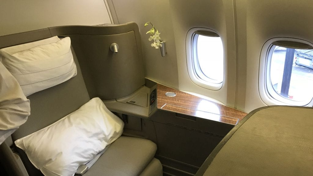 cathay pacific first class boeing 777 Sitz