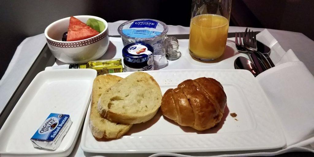 Iberia Business Class Langstrecke Airbus A330 Frühstück