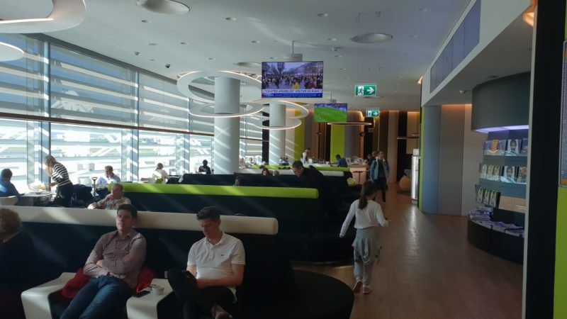 LIS TAP Lounge Lissabon 13