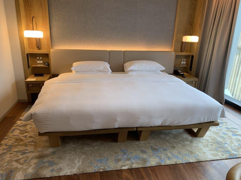 Andaz Singapore Bett