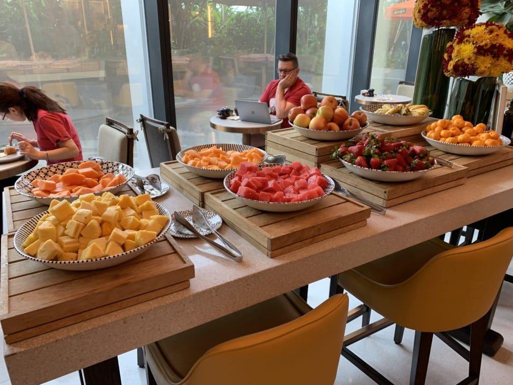 Andaz Singapore Frühstück Früchte