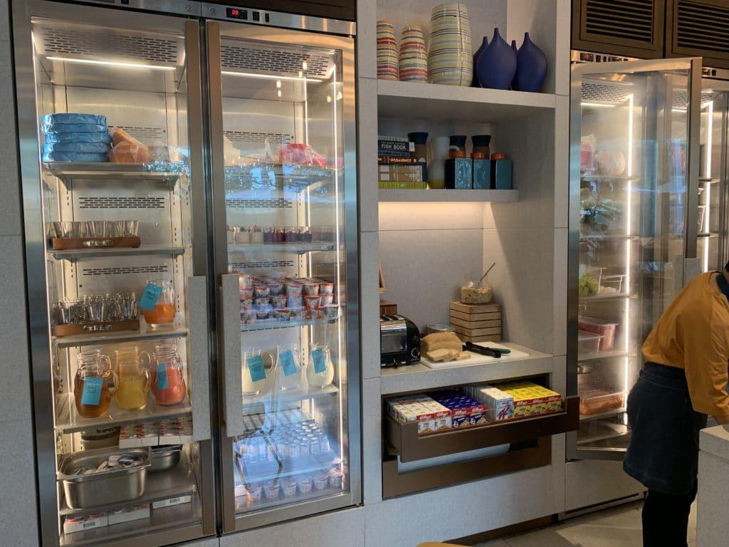 Andaz Singapore Frühstück Milchwaren