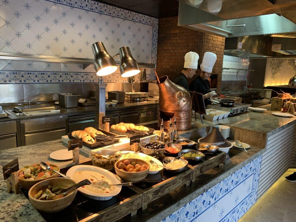 Conrad Dubai Frühstück Arabischer Ecken