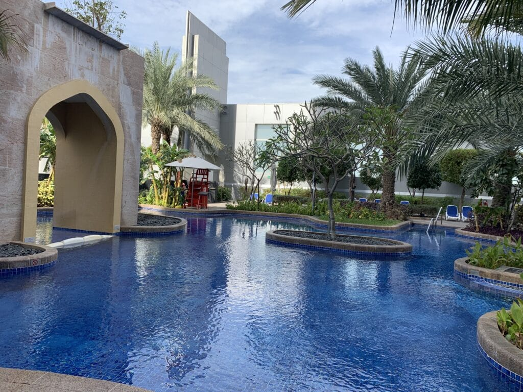 Conrad Dubai Poollandschaft