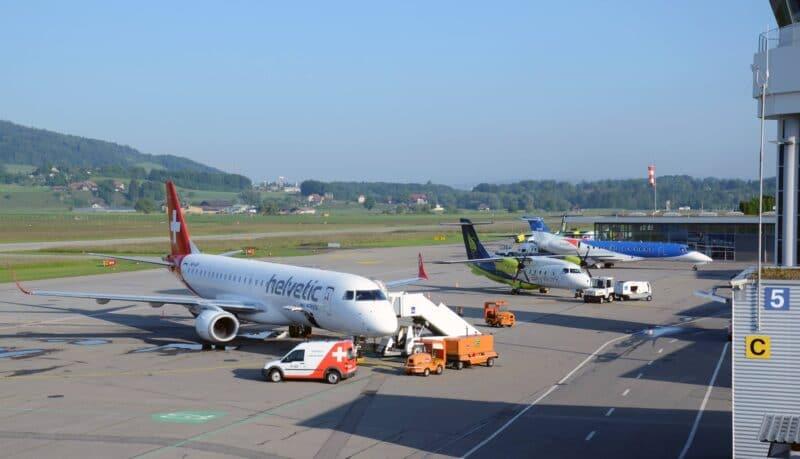 Flughafen Bern Vorfeld Helvetiv Bmi Regional SkyWorks Bild Vom Flughafen