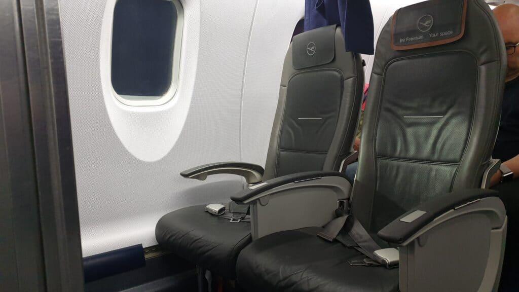 Lufthansa Ultra Kurzstrecke Business Class CRJ 900 2