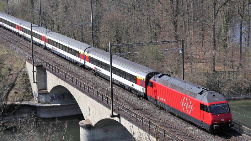 EW IV Einheitswagen SBB Bahn Brücke