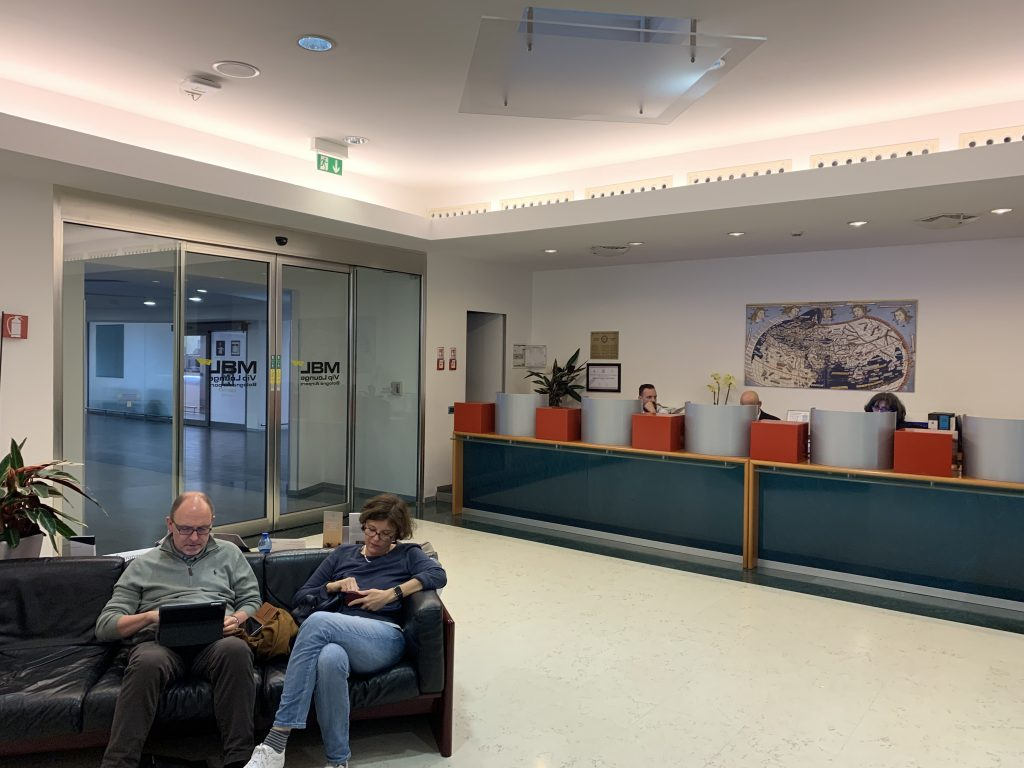 Bologna Business Lounge Empfang