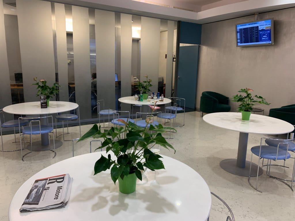 Bologna Business Lounge Lobby