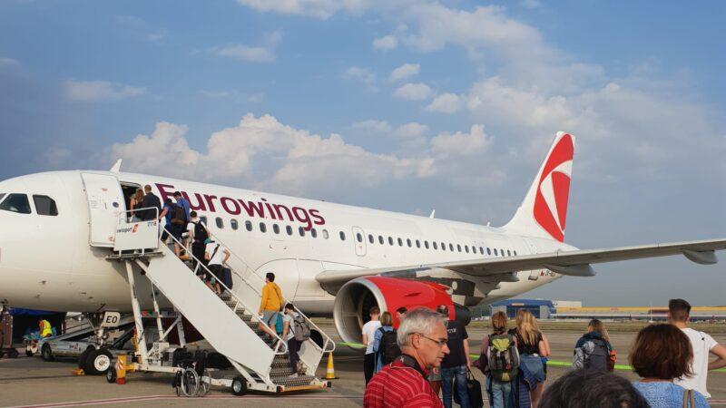 Brüssel Eurowings Czech Airlines Flugzeug A320 Vorfeld Boarding