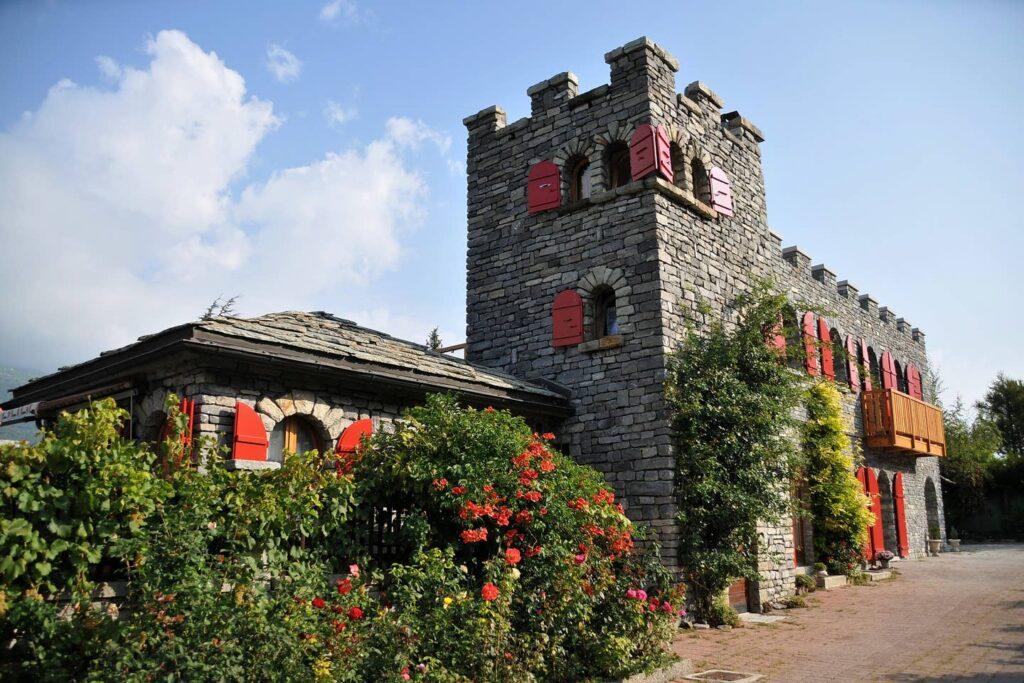 Castel De Daval Wallis