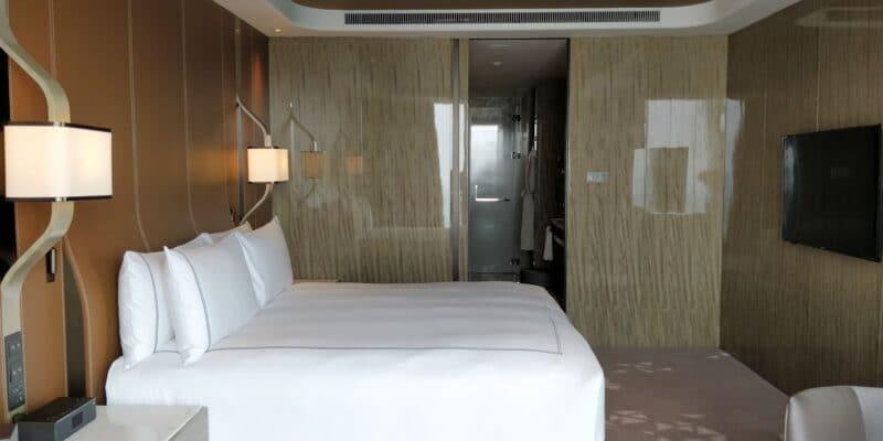 Conrad Hangzhou Suite Schlafzimmer 800x400