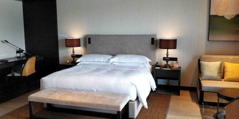 Hilton Ningbo Dongqian Lake Resort Zimmer 1600x800