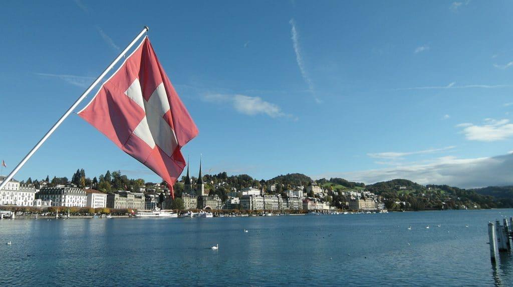 Schweizer Flagge Luzern