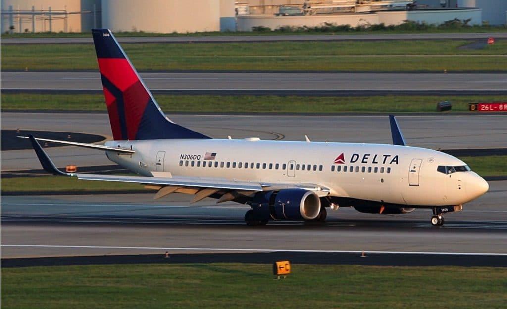 Delta Boeing 737-700