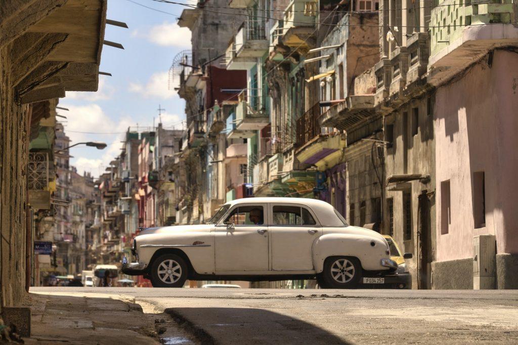 Kuba Havanna Autos Häuser Pastell