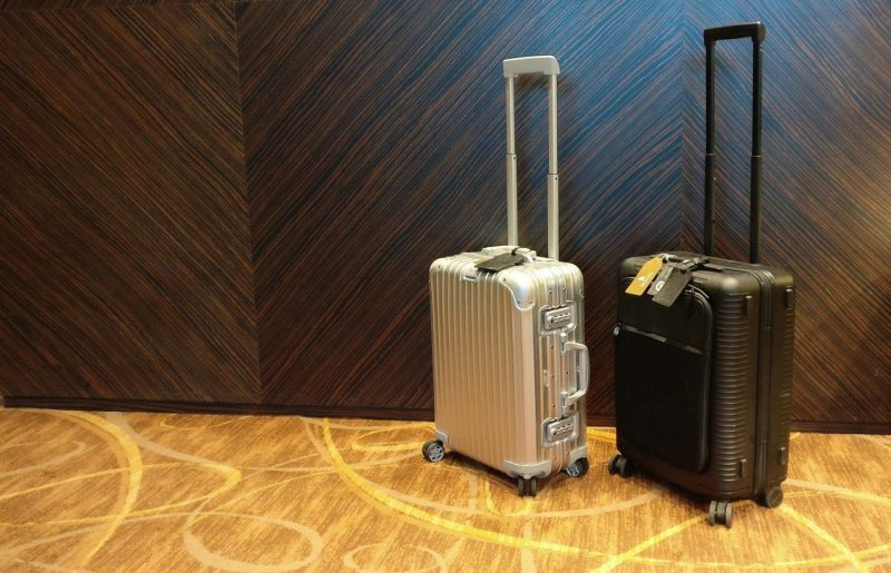 Rimowa Horizn Handgepäck Koffer