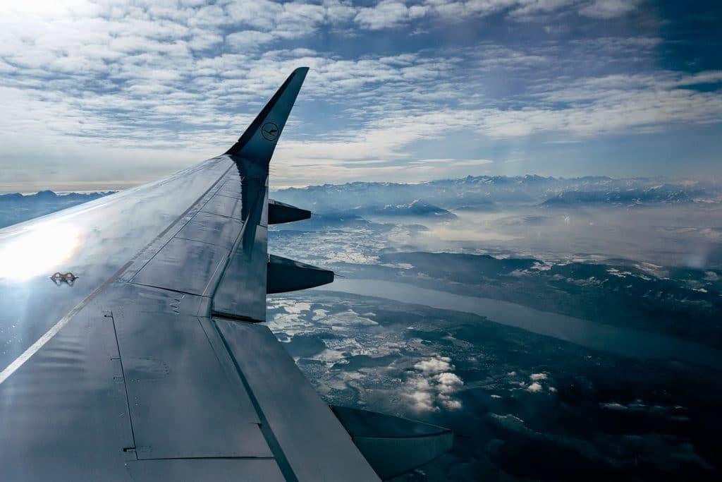 Luthansa Flugzeug Berge Aussicht Himmel Wolken