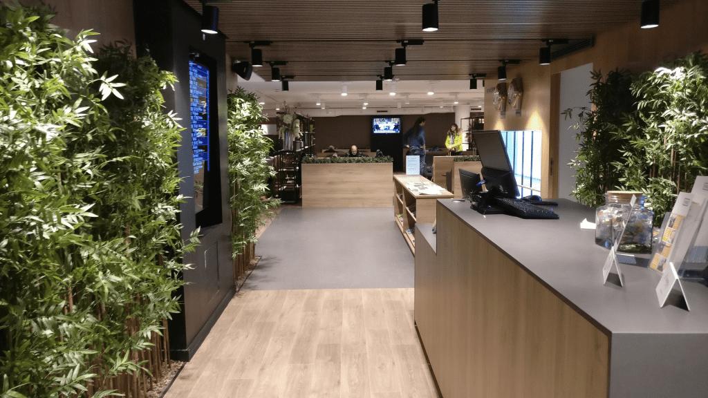 Premium Traveller Lounge Paris Orly Priority Pass 1024x576