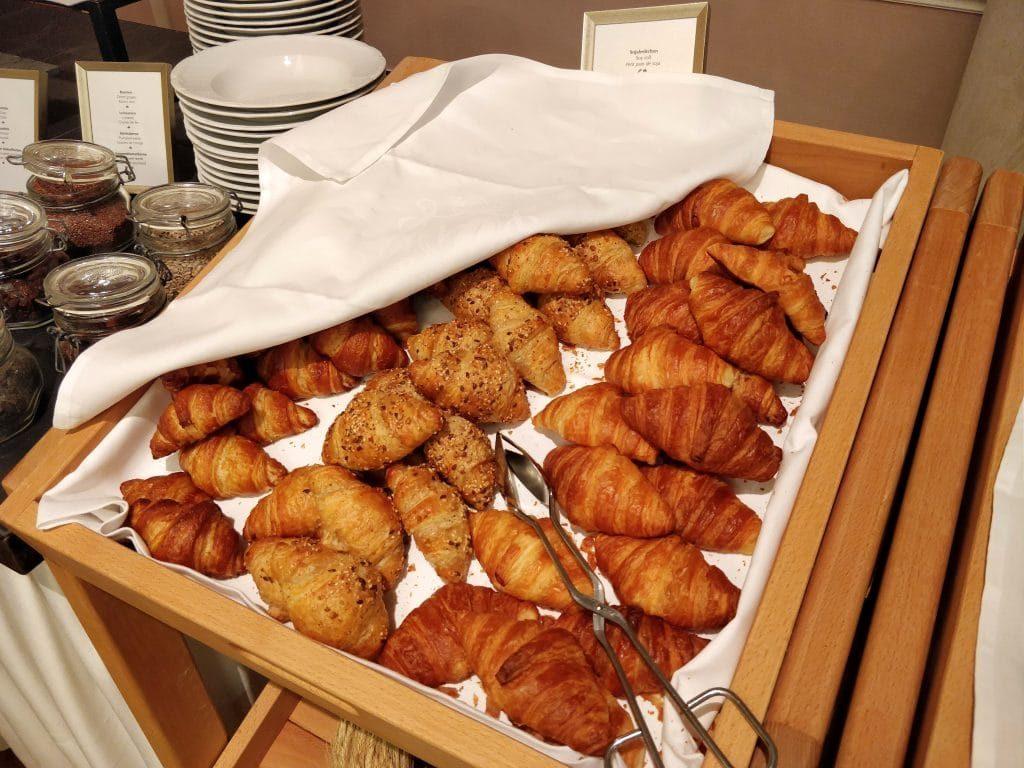 Victoria Jungfrau Grand Hotel Interlaken Frühstück 8 1024x768