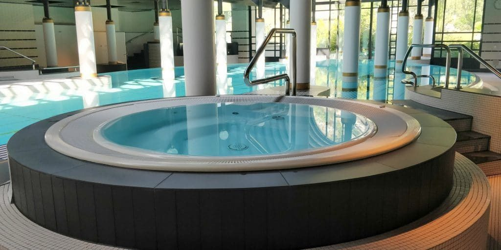 Victoria Jungfrau Grand Hotel Interlaken Pool 17 1024x512