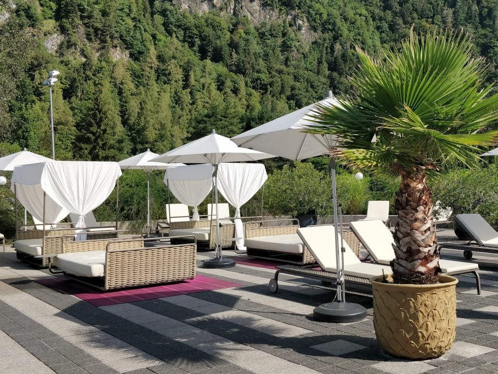 Victoria Jungfrau Grand Hotel Interlaken Pool Terrasse 2 1024x770