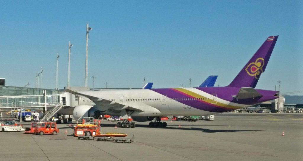 Thai Airways Boeing 777 E1506789091608