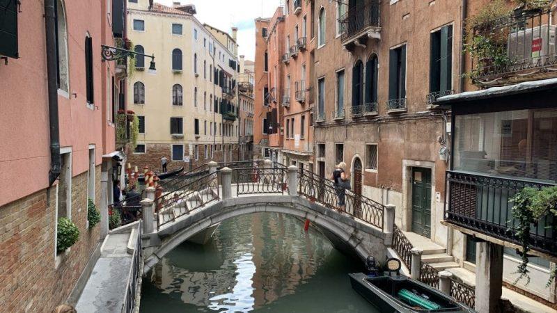 Splendid Venedig Brücke Vor Der Tür 1024x576