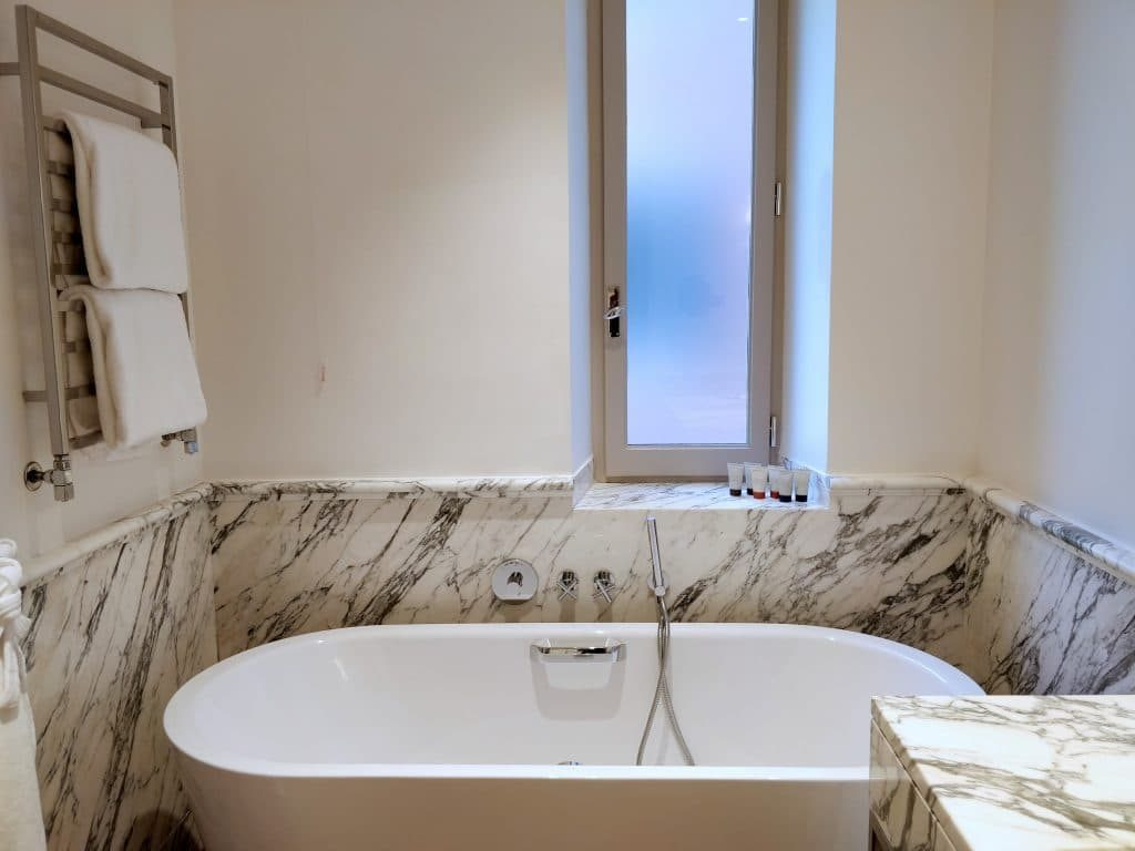 Hotel De Russie Rom Bad 6 1024x768