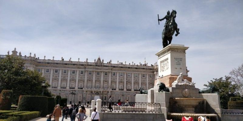 Madrid Palast Spanien Warm Sommer 800x400 1