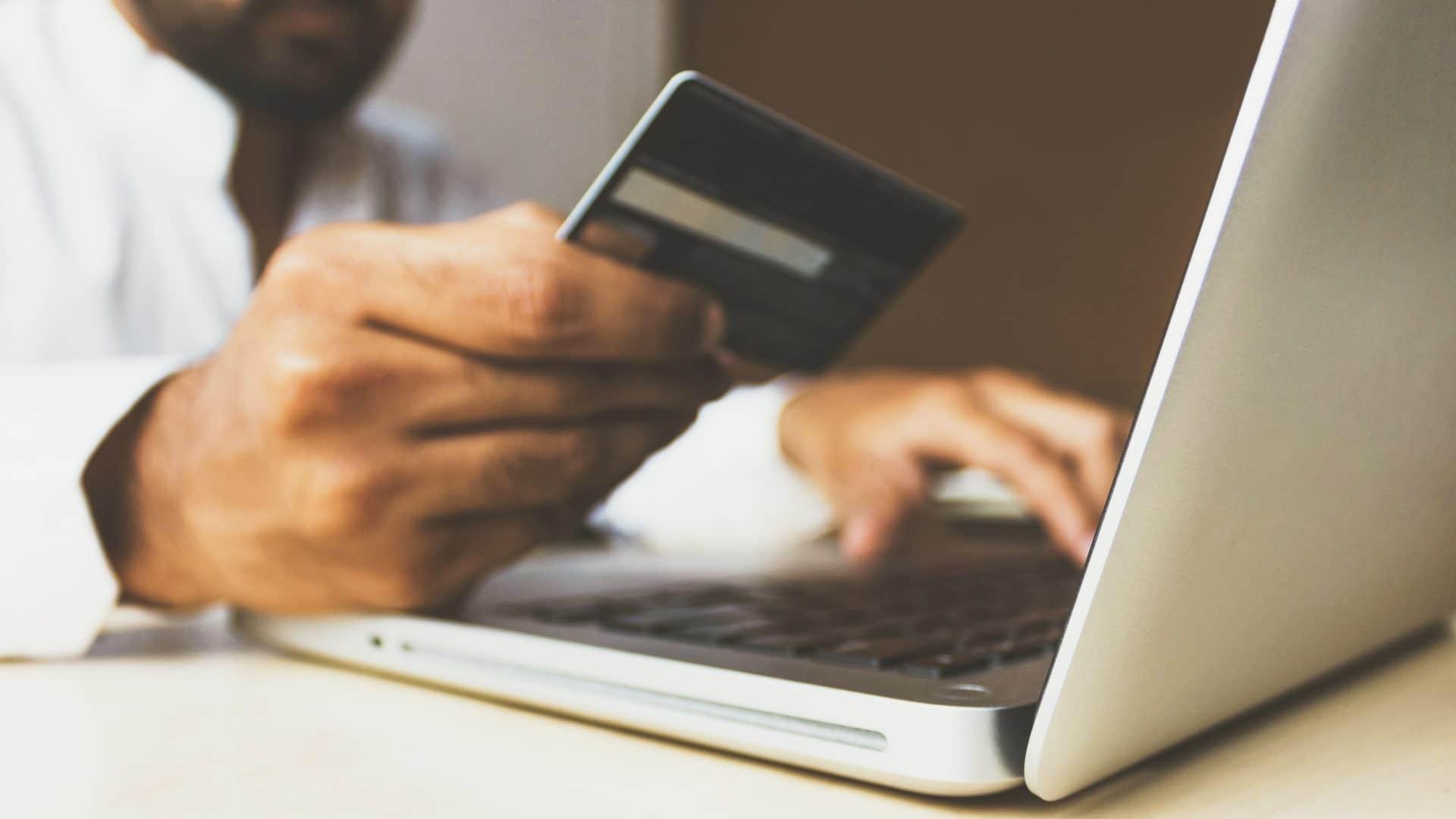 Online Shopping Mit Den Swisscard Cashback Cards