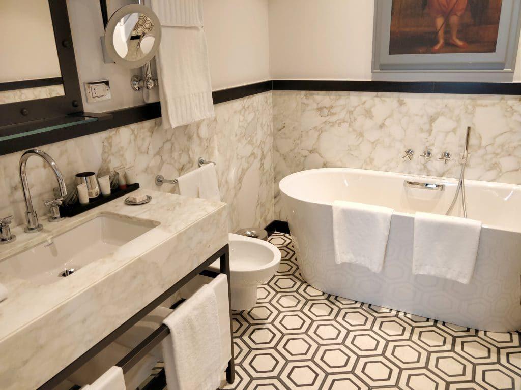 Rocco Forte Hotel De La Ville Rom Bad 1024x768