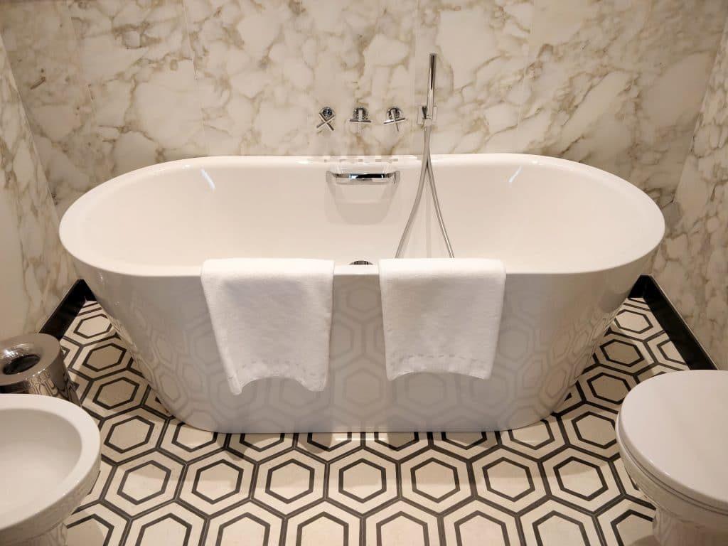 Rocco Forte Hotel De La Ville Rom Bad 5 1024x768