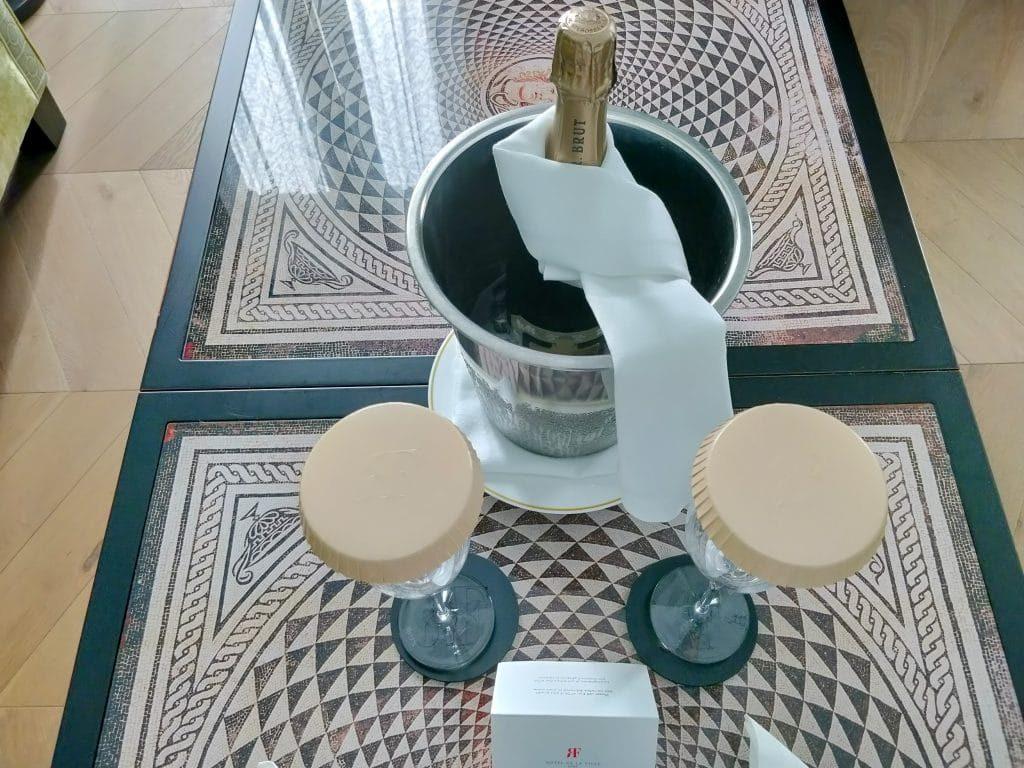 Rocco Forte Hotel De La Ville Rom Willkommensgeschenk 1024x768
