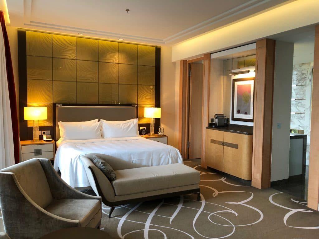 Waldorf Astoria Junior Suite With View 1024x768