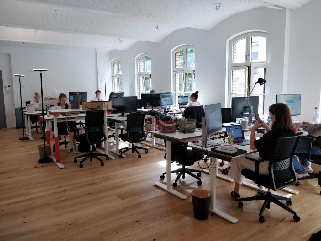 Reisetopia Office 1024x768