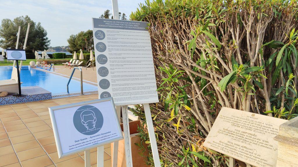 St. Regis Mallorca Mardavall Resort Pool Covid Hinweise 1024x575