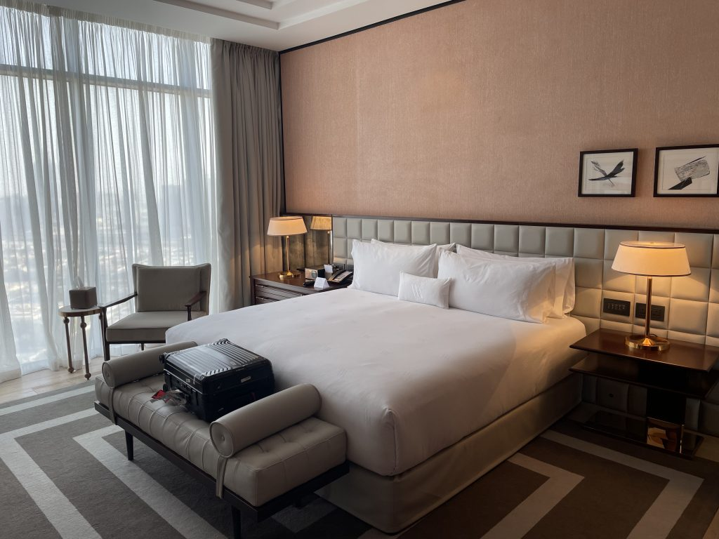 Waldorf Astoria Dubai International Financial Centre Schlafzimmer