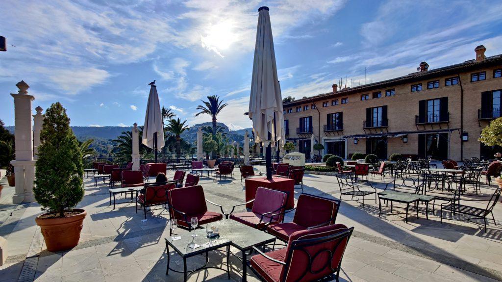 Castillo Hotel Son Vida Mallorca Bar Terrasse 1024x575