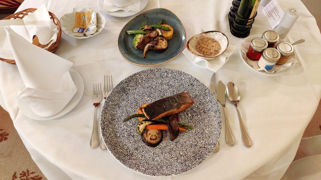 Castillo Hotel Son Vida Mallorca Room Service Abendessen 6 1024x575