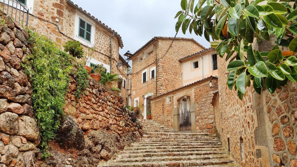 Fornalutx Mallorca 1024x575