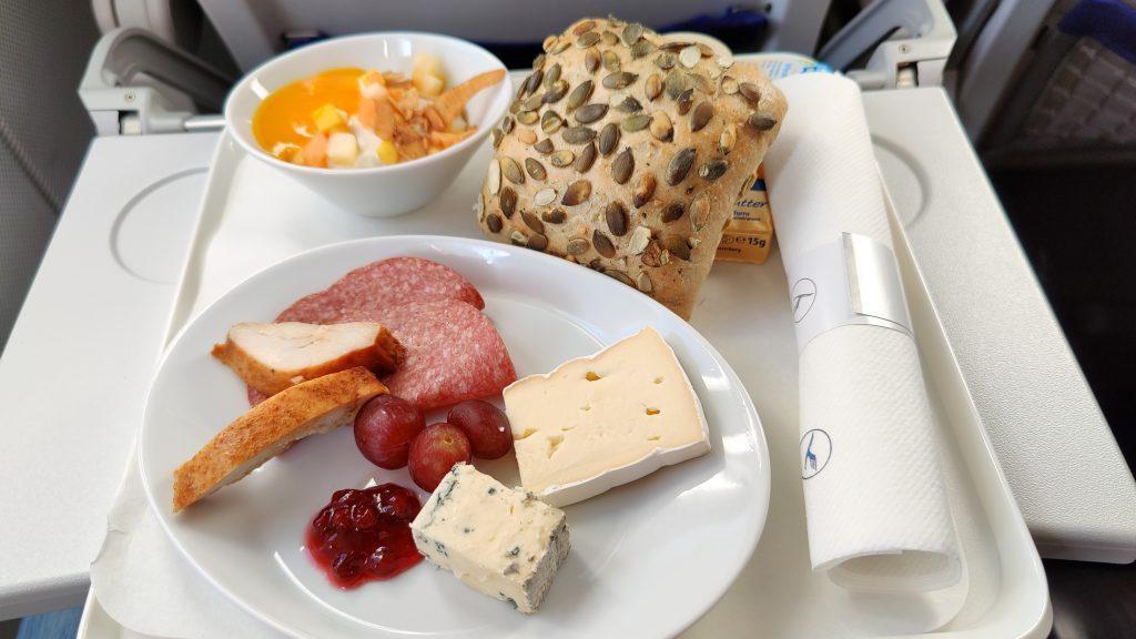 Lufthansa Business Class Frühstück Inlandsflug 1024x576